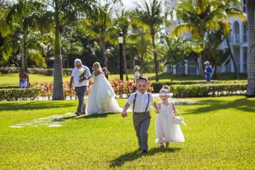 ashley vivian riviera maya wedding rui palace mexico 04 5 500x333 - Ashley & Vivian - Riu Palace Mexico