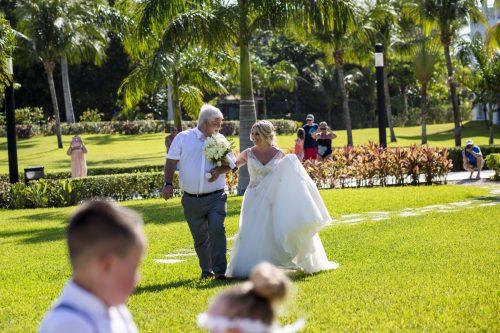ashley vivian riviera maya wedding rui palace mexico 04 6 500x333 - Ashley & Vivian - Riu Palace Mexico