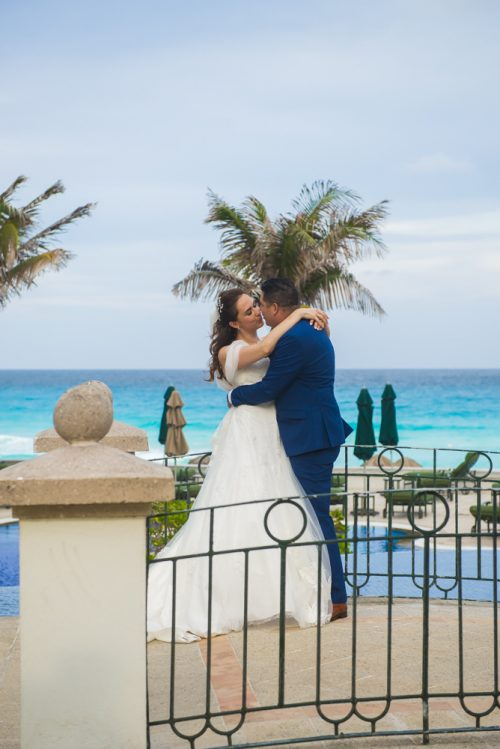 kate richard jw marroit cancun spa resort beach wedding 02 3 500x749 - Katia & Richard - JW Marriott Cancun