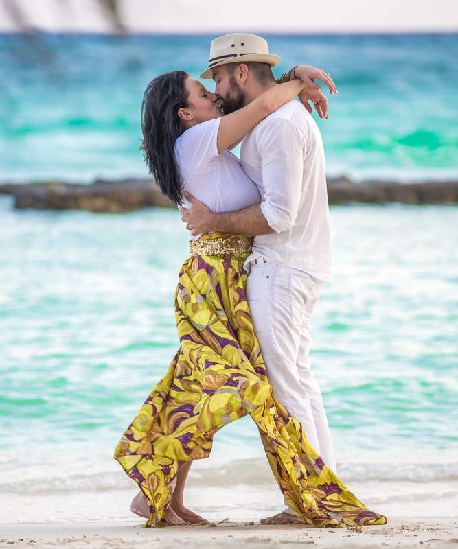 nancy dylan engagemen riviera maya 01 667x800 - Honeymoon Photography