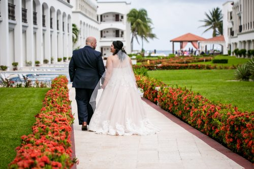caroline hayden riviera maya wedding the royal playa del carmen 01 14 500x333 - Caroline & Hayden - Royal Playa Del Carmen