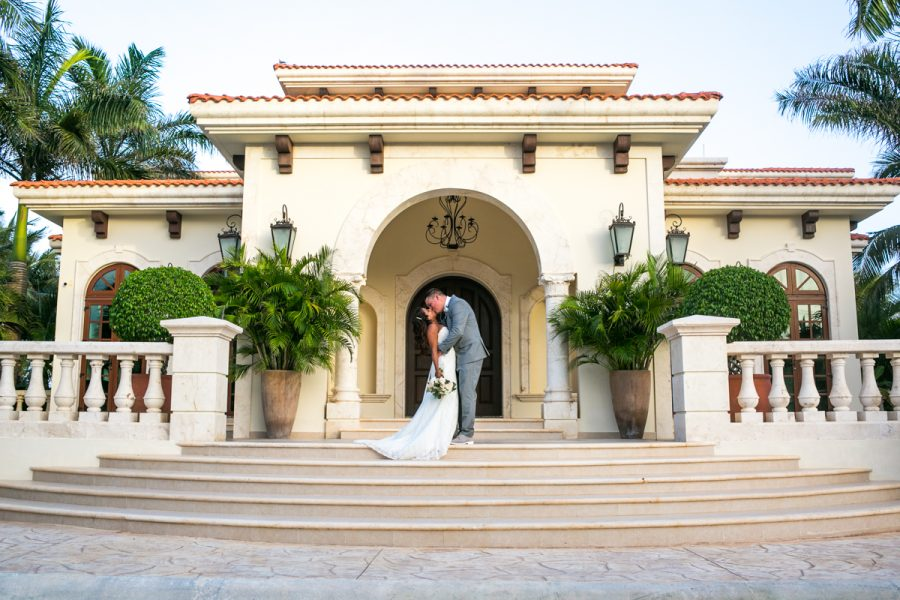 What To Expect When You Choose Villa La Joya For Your Destination Wedding