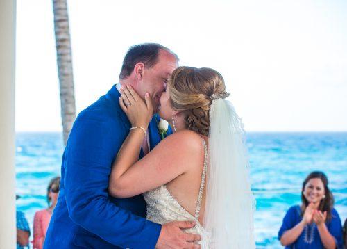 rachel ross beach wedding hyatt ziva cancun 01 24 500x358 - Rachel & Ross - Hyatt Ziva Cancun
