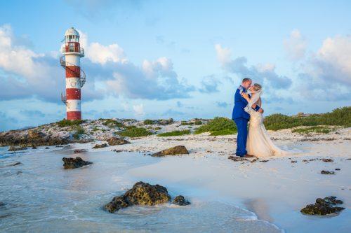 rachel ross beach wedding hyatt ziva cancun 01 34 500x333 - Rachel & Ross - Hyatt Ziva Cancun