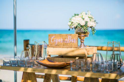 andrea kris playa del carmen wedding grand coral beach club 02 7 500x333 - Andrea & Kris - Grand Coral Beach Club