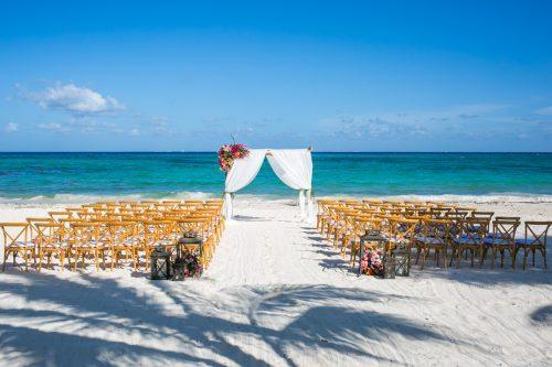 andrea kris playa del carmen wedding grand coral beach club 02 8 500x333 - Andrea & Kris - Grand Coral Beach Club