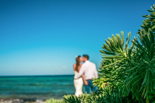 kelly simon playa del carmen wedding blue venado beach club 01 17 500x333 - Kelly & Simon - Blue Venado Beach Club