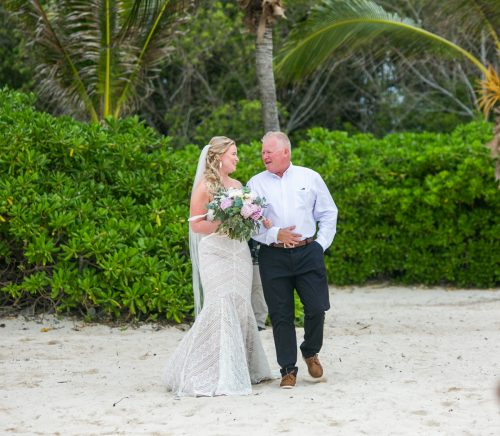 emily clay playa del carmen wedding grand coral beach club 01 15 500x436 - Emily & Clay - Grand Coral Beach Club