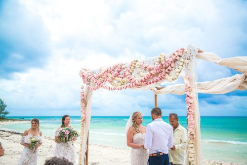 emily clay playa del carmen wedding grand coral beach club 01 17 500x333 - Emily & Clay - Grand Coral Beach Club