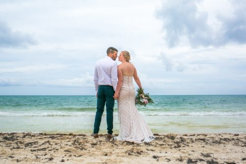 emily clay playa del carmen wedding grand coral beach club 01 33 500x333 - Emily & Clay - Grand Coral Beach Club