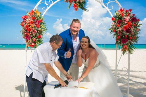 naomi daniel playa del carmen wedding riu palace mexico 01 17 500x333 - Naomi & Daniel - Riu Palace Mexico
