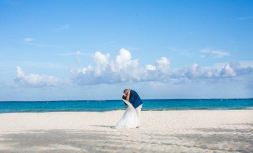 naomi daniel playa del carmen wedding riu palace mexico 01 30 500x303 - Naomi & Daniel - Riu Palace Mexico
