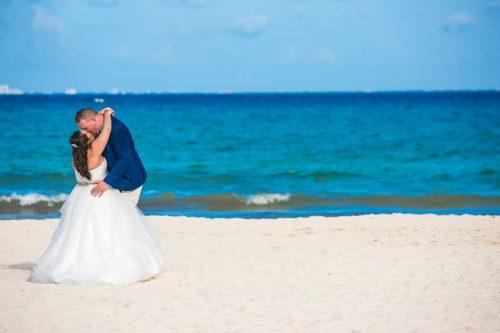 naomi daniel playa del carmen wedding riu palace mexico 01 32 500x333 - Naomi & Daniel - Riu Palace Mexico