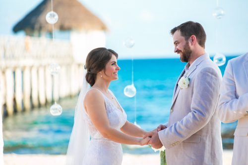 jessica harry beach wedding vidanta riviera maya 01 13 500x333 - Jessica & Harry - Vidanta Riviera Maya