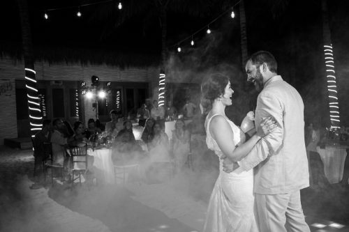 jessica harry beach wedding vidanta riviera maya 01 28 500x333 - Jessica & Harry - Vidanta Riviera Maya