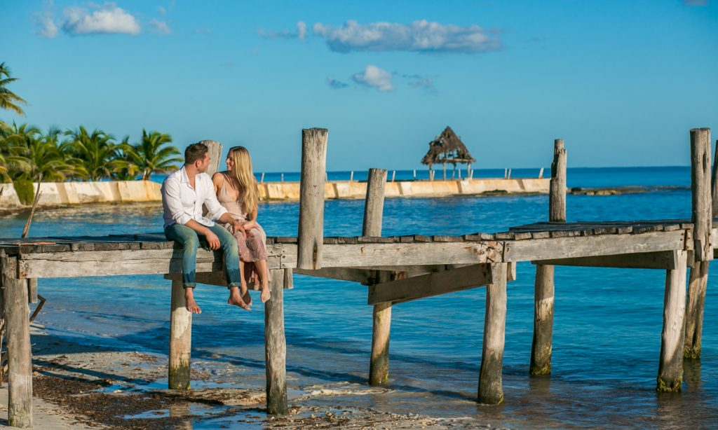 engagement beach photo playa del carmen 03 7 1024x614 - 7 Helpful Tips From A Playa Del Carmen Engagement Photographer
