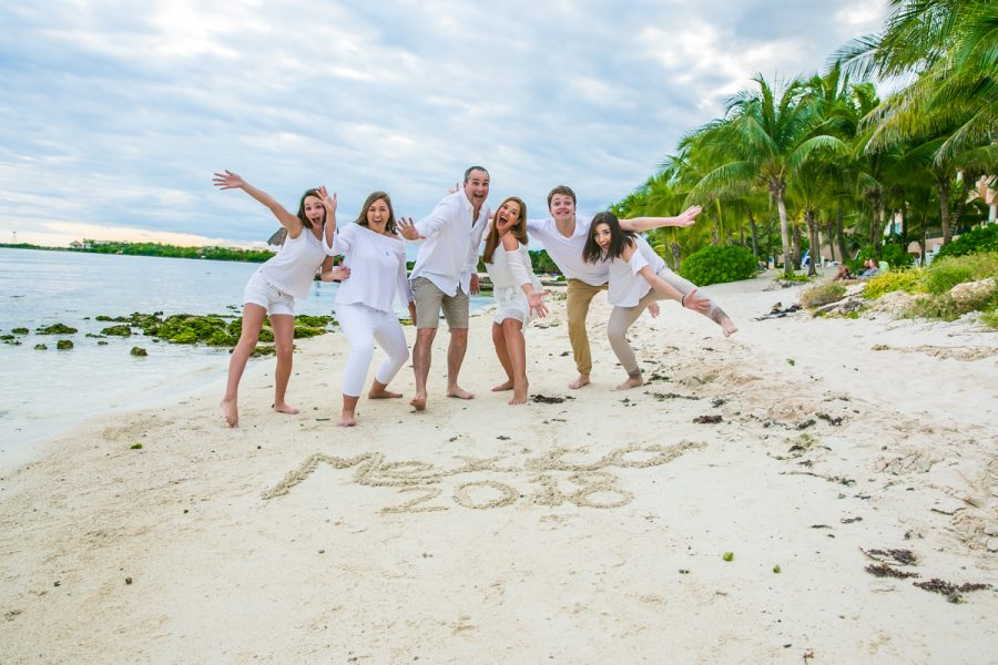 family beach photo playa del carmen 01 7 900x600 - Playa del Carmen Wedding Photography, Riviera Maya Wedding Photographer