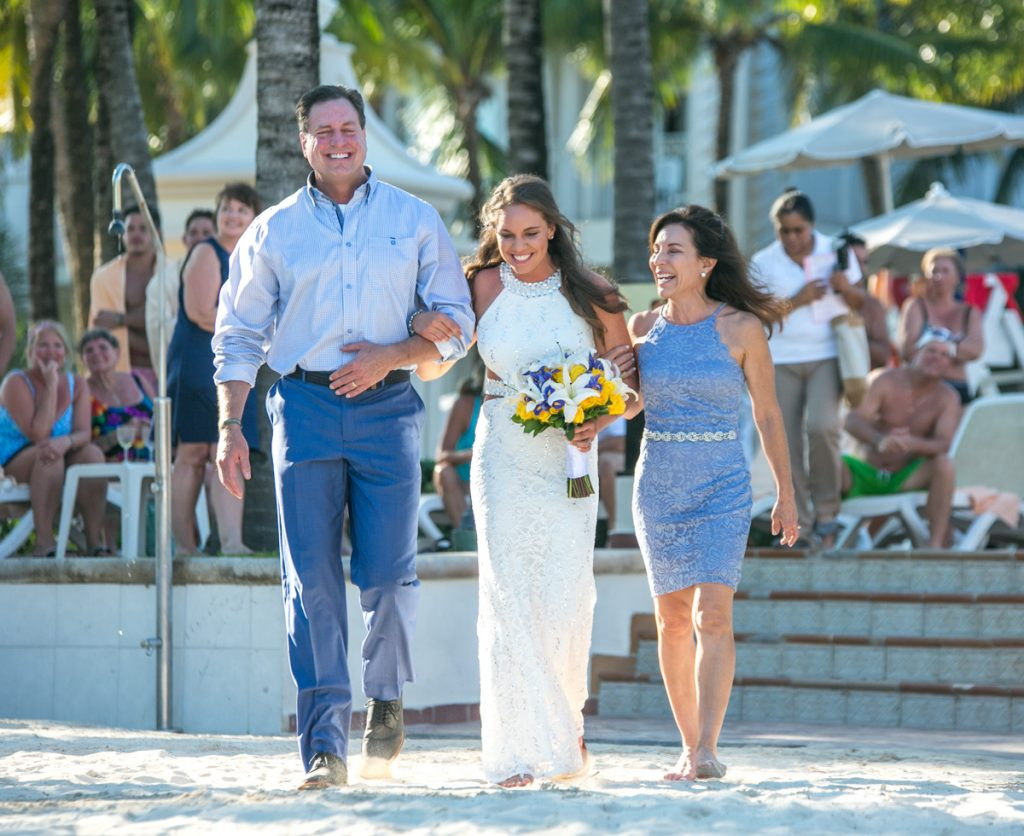caitlin bart playa del carmen wedding riu palace riviera maya 01 8 1024x836 - Top Tips For A Stress Free Beach Wedding – Managing The Environment