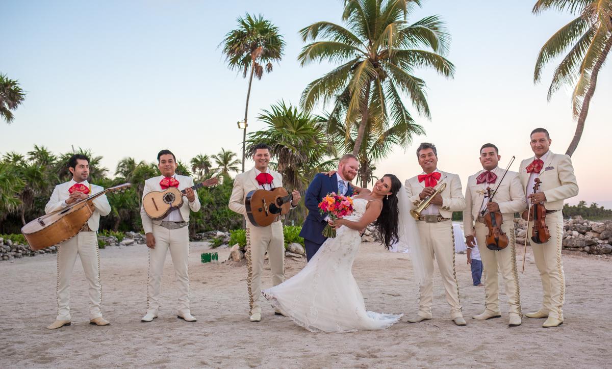 gaby dan beach wedding grand sirenis riviera maya 01 9 - Gaby & Dan - Grand Sirenis