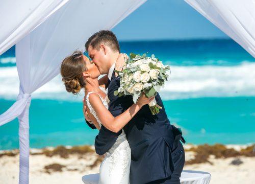 erin james beach wedding fiesta americana condesa cancun 02 14 500x360 - Erin & James - Fiesta Americana Condesa Cancun