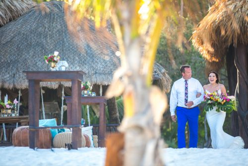 lisa ryon tulum wedding akiin beach club 02 12 500x335 - Lisa & Ryon - Ak'iin Beach Club
