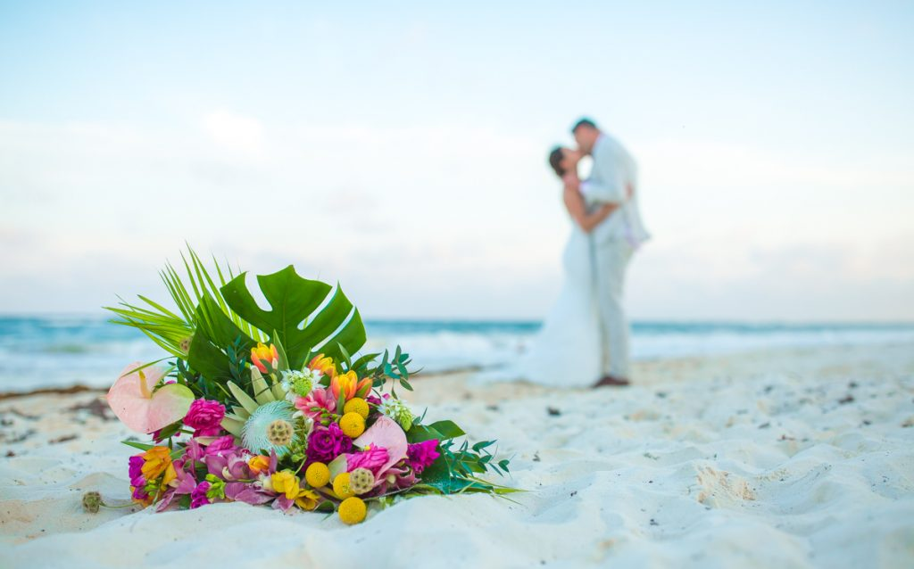 lisa ryon tulum wedding akiin beach club 02 3 1024x638 - 5 Easy Steps to Planning a Tulum Elopement