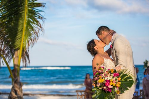 lisa ryon tulum wedding akiin beach club 02 4 500x333 - Lisa & Ryon - Ak'iin Beach Club
