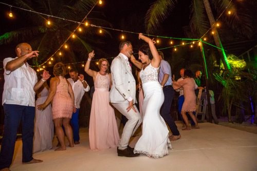 lisa ryon tulum wedding akiin beach club 02 500x333 - Lisa & Ryon - Ak'iin Beach Club