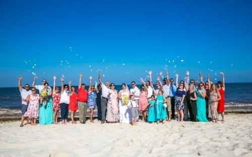 aimee robert beach wedding ocean coral riviera maya 02 5 500x312 - Aimee & Robert - Ocean Coral and Turquesa