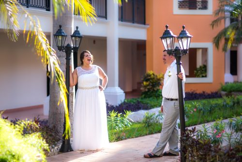 aimee robert beach wedding ocean coral riviera maya 02 500x334 - Aimee & Robert - Ocean Coral and Turquesa