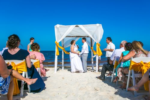 aimee robert beach wedding ocean coral riviera maya 02 8 500x332 - Aimee & Robert - Ocean Coral and Turquesa