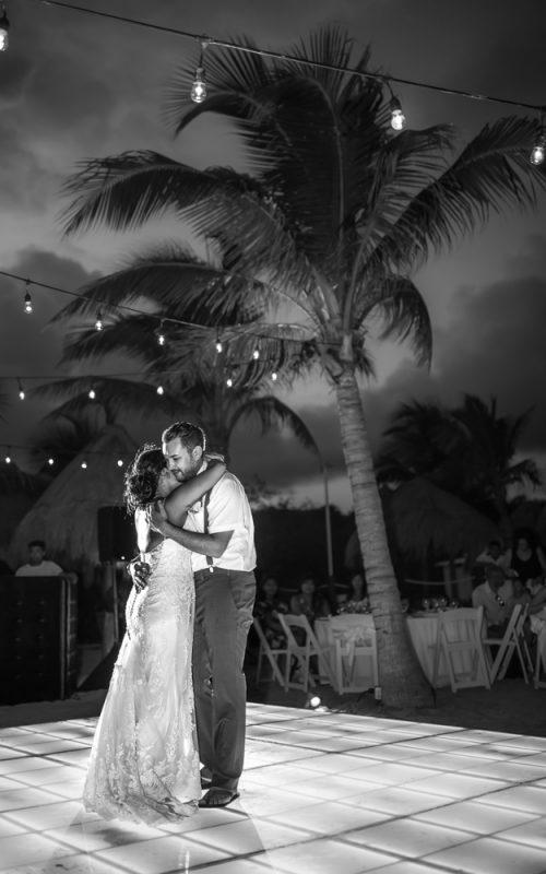 darcelle justin beach wedding ocean riviera paradise playa del carmen 02 2 500x800 - Darcelle & Justin - Ocean Riviera Paradise