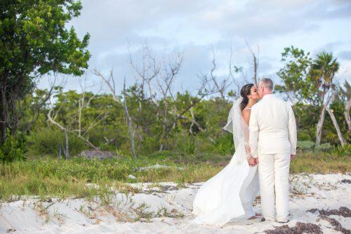 safaa al wedding grand coral beach club playa del carmen 01 10 500x333 - Safaa & Al - Grand Coral Beach Club