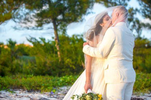safaa al wedding grand coral beach club playa del carmen 01 13 500x333 - Safaa & Al - Grand Coral Beach Club