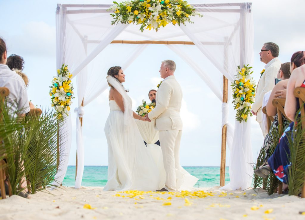 safaa al wedding grand coral beach club playa del carmen 01 4 1024x739 - 8 Little Known Things You Need To Plan Extra Carefully If You're Getting Married On The Beach