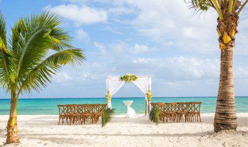 safaa al wedding grand coral beach club playa del carmen 01 500x297 - Safaa & Al - Grand Coral Beach Club