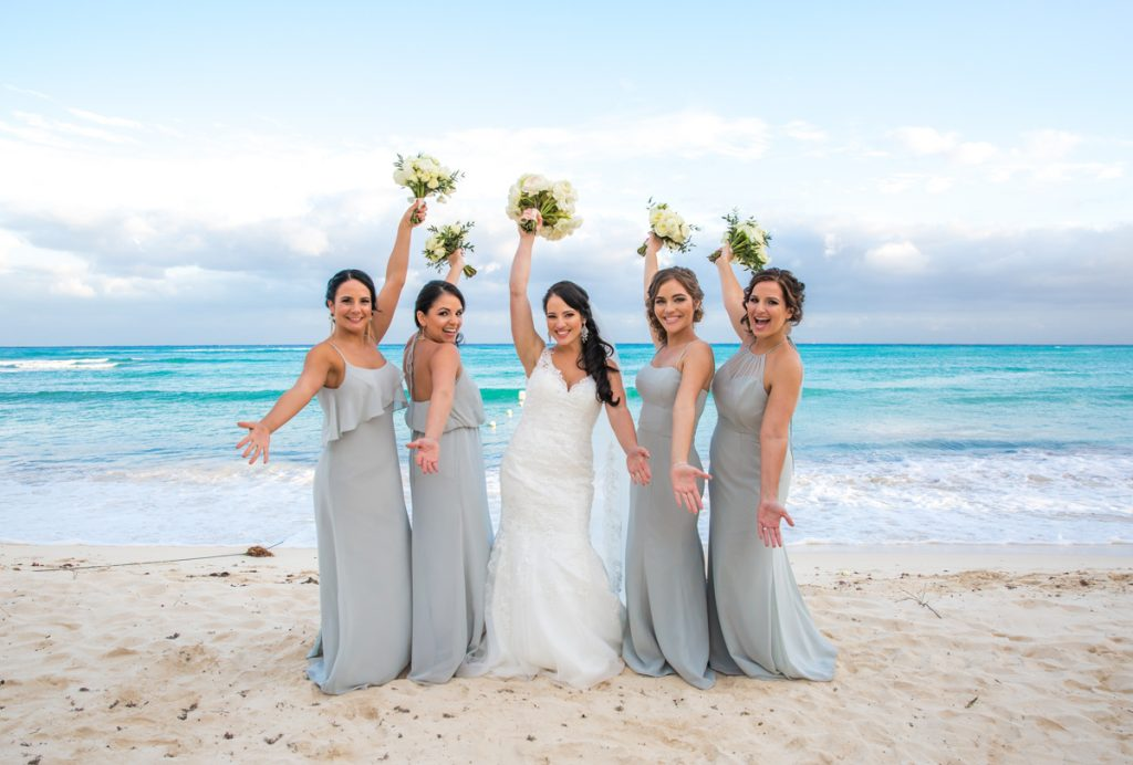 yuri adolfo playa del carmen wedding grand coral beach club 01 13 1024x692 - Why Bridesmaids Wear The Same Dress? Wedding Traditions & Superstitions Explained