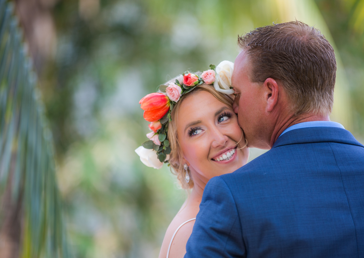 10 Tricks For Looking Terrific In Your Wedding Photos
