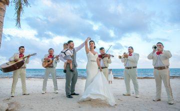 Melody & Axel – Mayakoba Pueblito & Grand Coral Beach Club