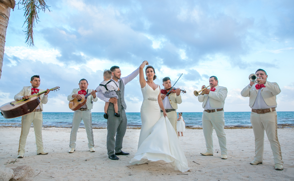 Melody & Axel – Mayakoba Pueblito & Grand Coral Beach Club