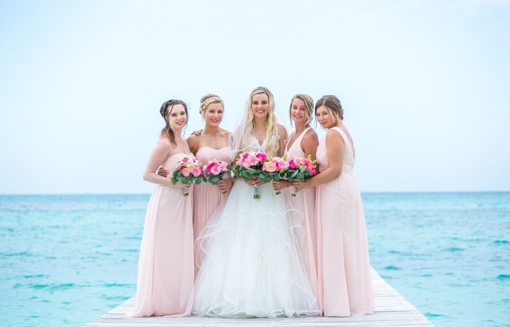 Iona Travis Hotel Riu Cancun Wedding 15 1024x658 - 6 Ways You Can Be The Best Bridesmaid Ever