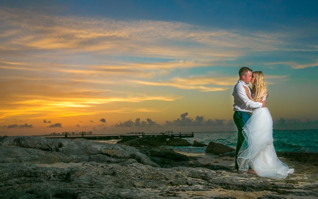 Iona Travis Hotel Riu Cancun Wedding 27 1024x642 - Top Tips For A Stress Free Beach Wedding – Managing The Environment