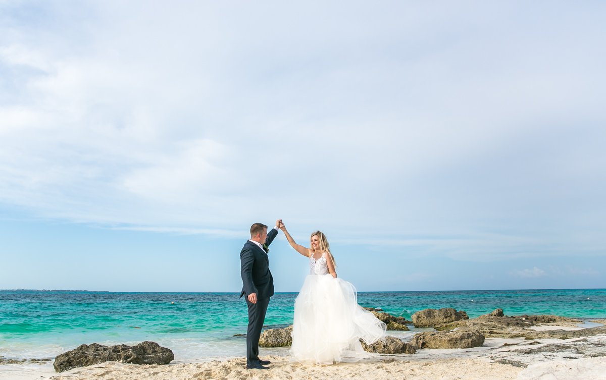 Iona Travis Hotel Riu Cancun Wedding 3 - Iona & Travis - Hotel Riu Cancun