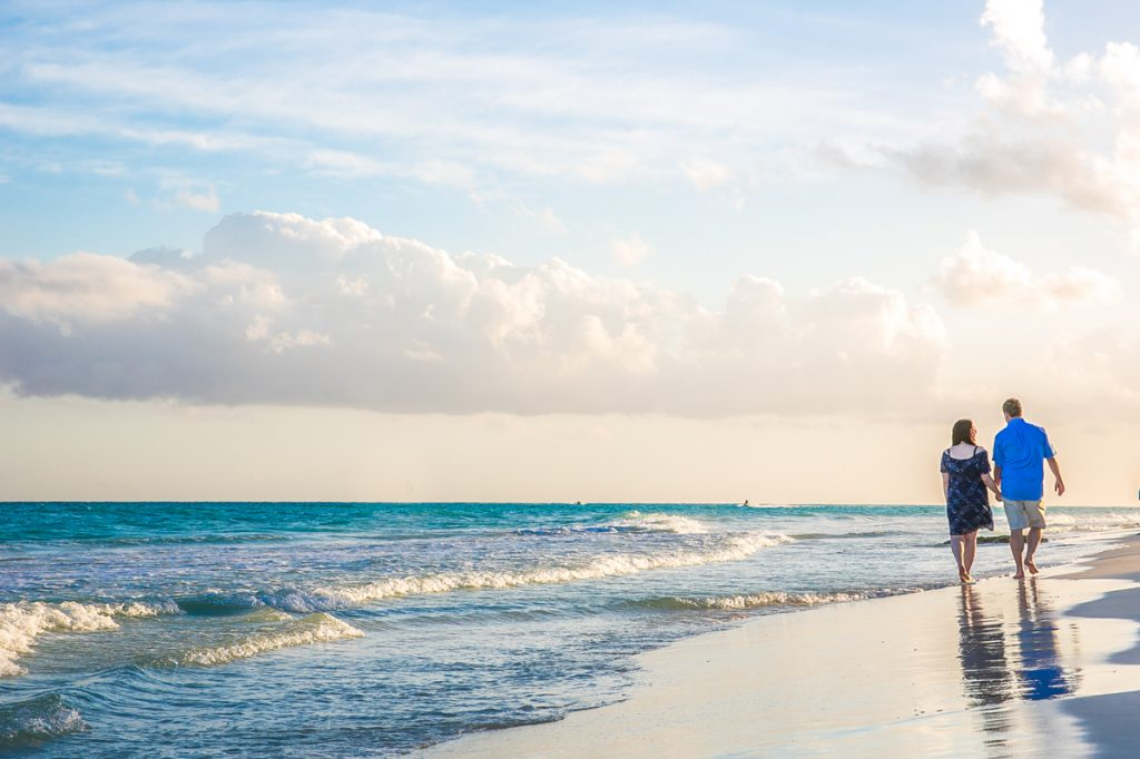 Beach Engagement Proposal Playa del Carmen 02 3 1024x682 - 5 Cliché Honeymoon Photos You Must Take In Playa Del Carmen