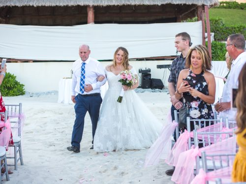 Chelsea Luis GR Caribe Deluxe Cancun Wedding.  16 500x374 - Chelsea & Luis - GR Caribe Deluxe