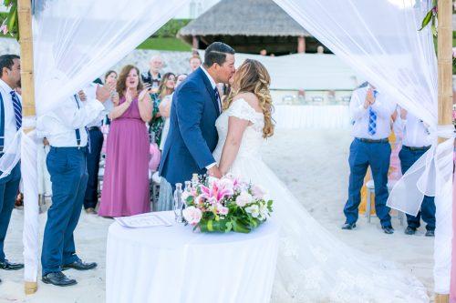 Chelsea Luis GR Caribe Deluxe Cancun Wedding.  8 500x333 - Chelsea & Luis - GR Caribe Deluxe