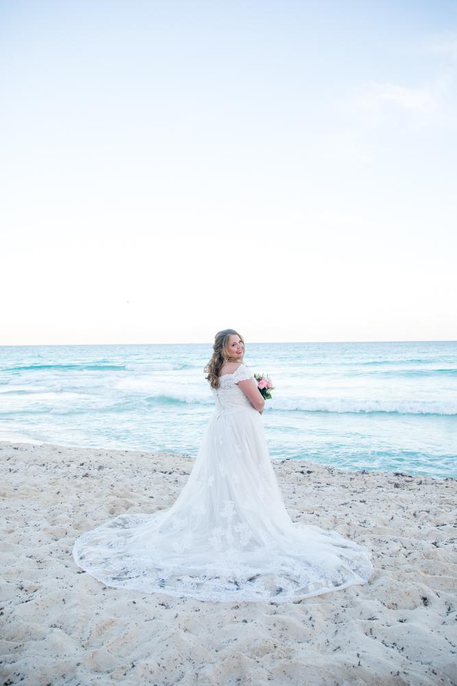 Chelsea Luis GR Caribe Deluxe Cancun Wedding  9 - Chelsea & Luis - GR Caribe Deluxe