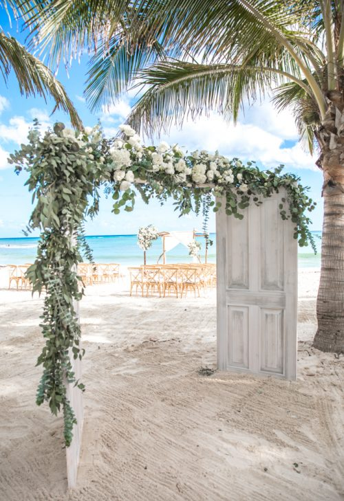 Nadine Ryon Grand Coral Beach Club Playa del Carmen Wedding 13 1 500x729 - Nadine & Ryan - Grand Coral Beach Club