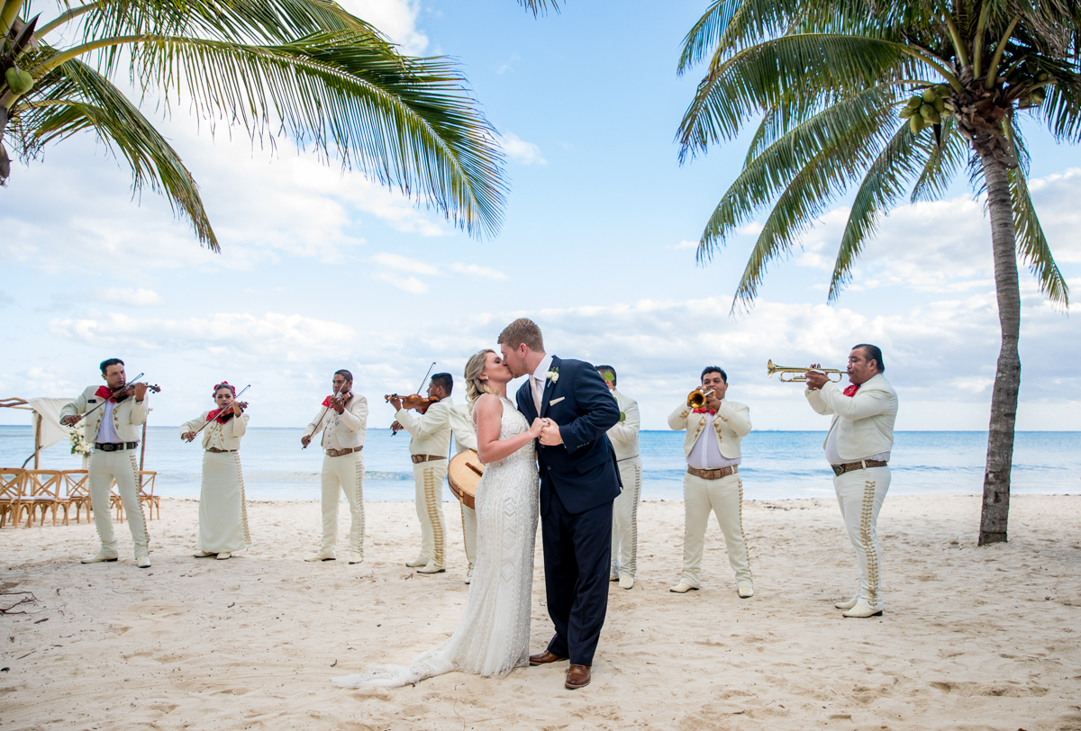 Nadine Ryon Grand Coral Beach Club Playa del Carmen Wedding 8 - Nadine & Ryan - Grand Coral Beach Club