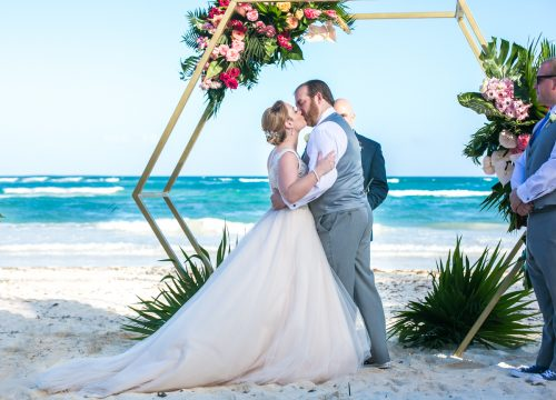 Natalie Matt Akiin Beach Club Tulum Wedding 15 500x360 - Natalie & Matt - Ak'iin Beach Club